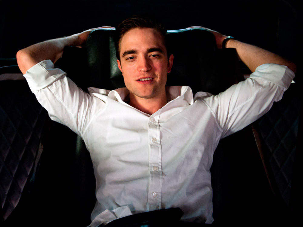 rob pattinson whos he dating Twilight fans' favorite former vampire, robert pattinson, will be a presenter at the golden globes, according to people this news naturally led to the question, who is robert pattinson dating in 2018 the star of good time (unit production manager: mary beth minthorn) and singer fka twigs ended their engagement in 2017, leaving pattinson.