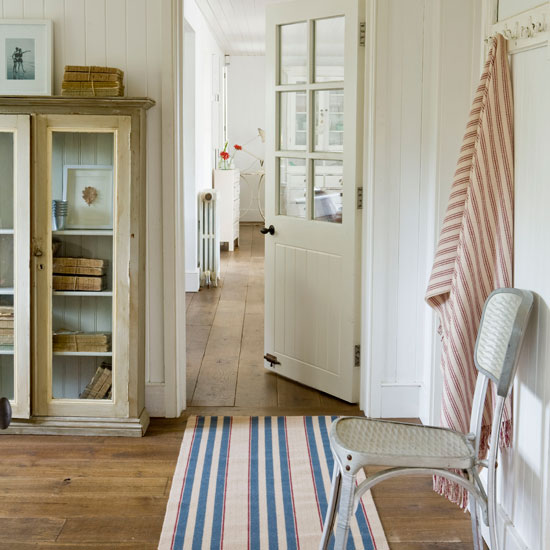Hallway Decorating Ideas House: How To Decorate A Hallway