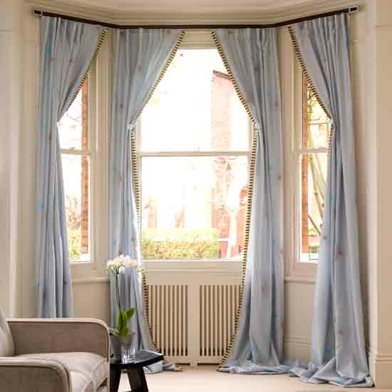 Hanging Curtains On Bay Windows Design Curtains Bay Window