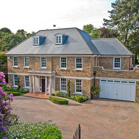 Eamonn Holmes New Home